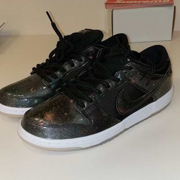 19af5ba881a3 NEW Nike SB Dunk Low Galaxy Size 10